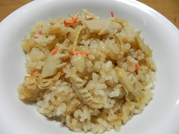 タケノコご飯.JPG